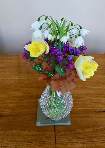 small arrangement in small vase